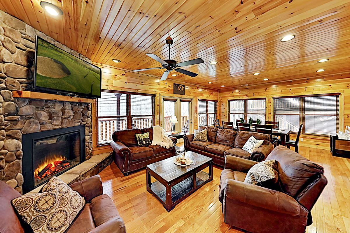Cypress Lodge living room in Gatlinburg, TN